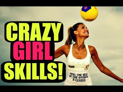 Girls With Neymar/Ronaldo/Ronaldinho Football & Freestyle Skills! - HD