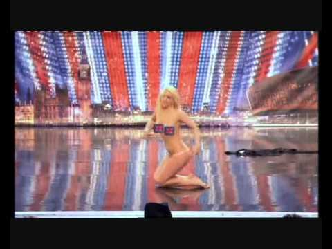 Lorna Bliss impersonates Britney Spears on Britain