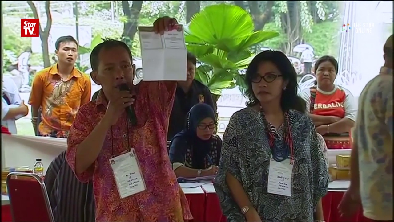 Jakarta votes 'aye' for Anies and 'nay' for Ahok