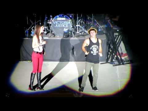 Victoria Justice & Max Schneider - Bruno Mars Medley (pt.2) (The Great Allentown Fair)