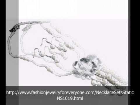 Fashionjewelryforeveryone Porm Dangling White Flower Pendant Pearls Necklace Set video
