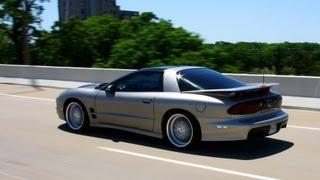 Pontiac Firebird Trans Am Huge Revs, Accelerations and Fly Bys!