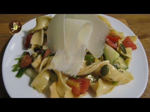 Nudelsalat mit Ruccola - Salatrezepte - Kochrezepte