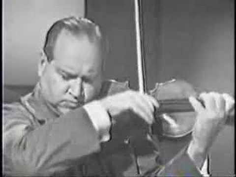 David Oistrakh plays Debussy Sonata in Gminor part1