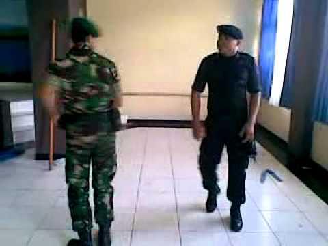 BRIMOB Vs TNI