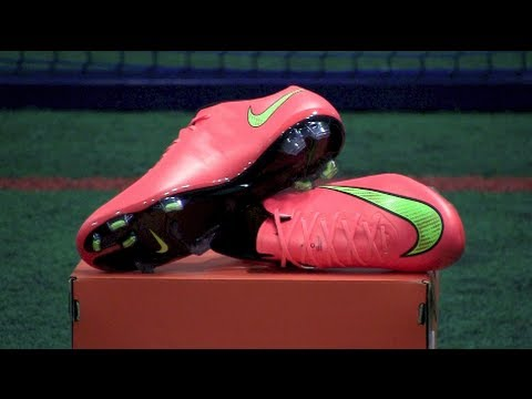 Nike Mercurial Vapor X (Hyperpunch) Review and On Feet