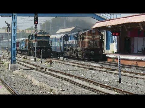 SURPRISE COMBO : ALCO + EMD : KTE WDG3A + UBL WDP4 with BGKT Jodhpur - Bangalore Express