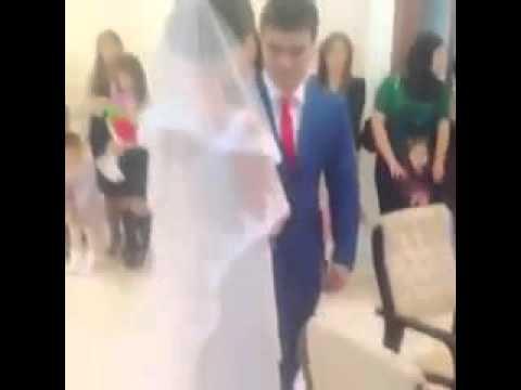 Вот как нужно поздравлять друг друга на свадьбе