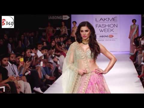 Nargis Fakhri Shows Hot Cleavage on the Ramp