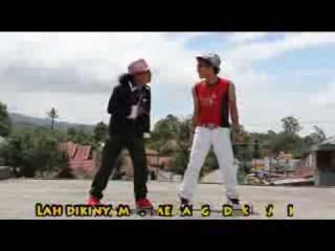 Yuang Latuih & Mak Itam - Kuciang Balang video