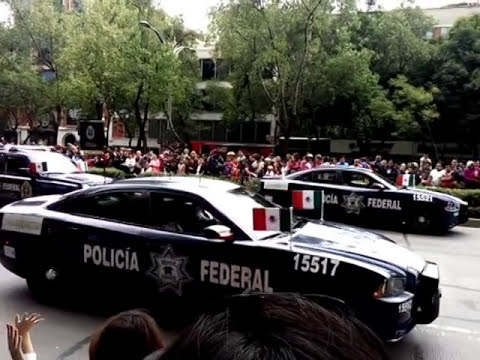 Patrullas Dodge Charger del DF y de la Policía Federal