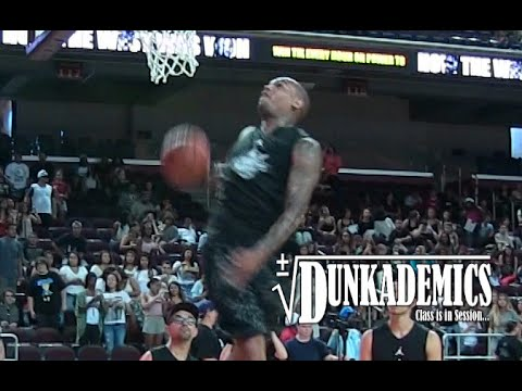 Chris Brown Dunks @ Power106 Celebrity Game!