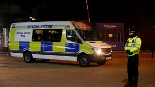 London: Police officers force thieves off motorbikes