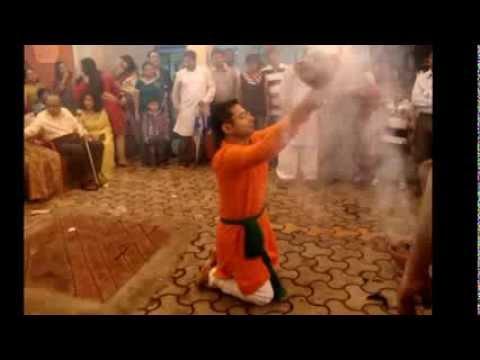 Dhunuchi Naach (traditional Durga Puja dance) by Dibyajyoti...