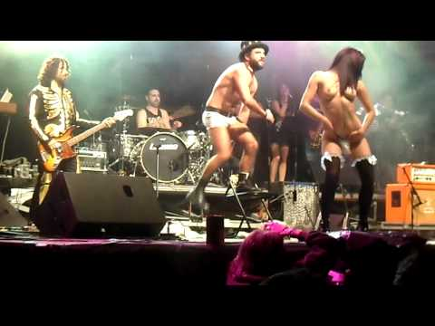HEREDEIROS DA CRUS DERRAME ROCK OURENSE 2012 ESTRIPTIS