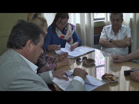 Acuerdan convenio de contraprestación para obras viales del departamento Colón