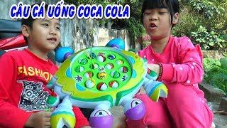 Trò chơi câu cá uống Coca Cola hài hước Kênh Em Bé