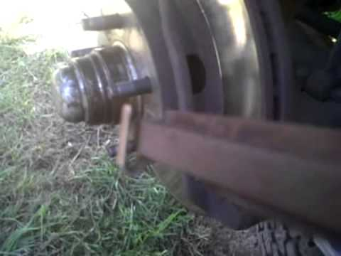 Como Cambiar Pastillas Frenos Delanteros Ford Ranger Xlt 2010 2 3l Gasolina Youtube