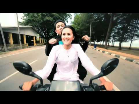 Akim - Inilah Cinta [HD] (with English and Malay lyrics)
