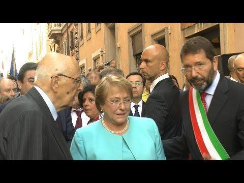Michelle Bachelet a Roma scopre la targa in onore del Chile Democratico