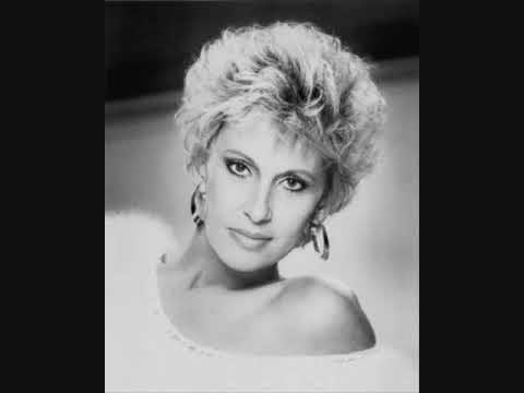 Tammy Wynette - He Loves Me All The Way