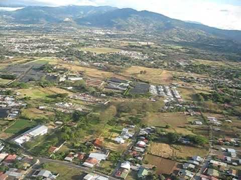 COSTA RICA, ATERRIZANDO EN EL AEROPUERTO INTERNACIONAL JUAN SANTAMARIA  ALAJUELA SAN JOSE