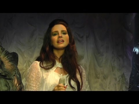 Lana Del Rey - Young & Beautiful - First time in Live - Rockhal [HD 1080p]