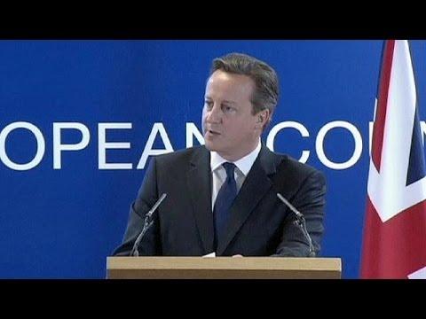 Nomina di Juncker, il premier britannico Cameron promette di non arrendersi