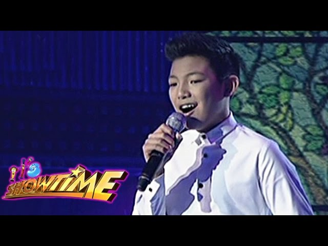 """Darren sings """"Keep Holding On"""" on It's Showtime"""