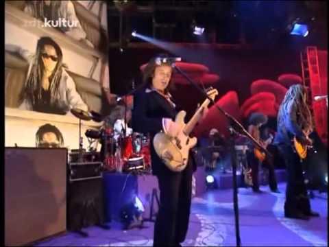Lenny Kravitz - Always On The Run (Live)