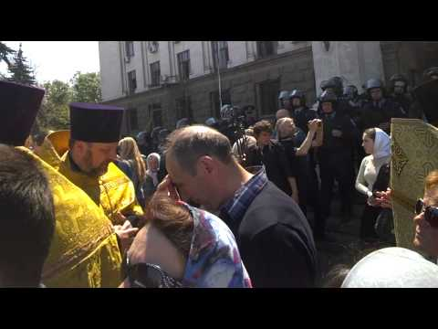 Odessa: Ukrainian and Russian Orthodox priests holding memorial service at Trade Union Building