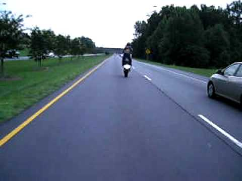 08 gsxr 1000 Wheelie over a mile long stunt... papasan