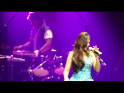 Shreya Ghoshal LIVE in Albert Hall London May 2013-3