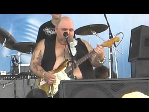 Popa Chubby  - She Loves Everybody video