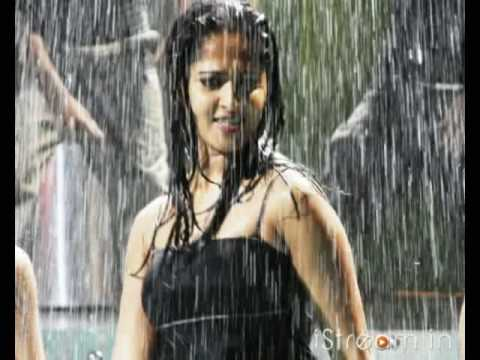 Hot n wet Anushka Shetty!