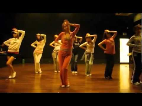 Snsd girls' Generation - Chocolate Love Mirrored Dance Practice video