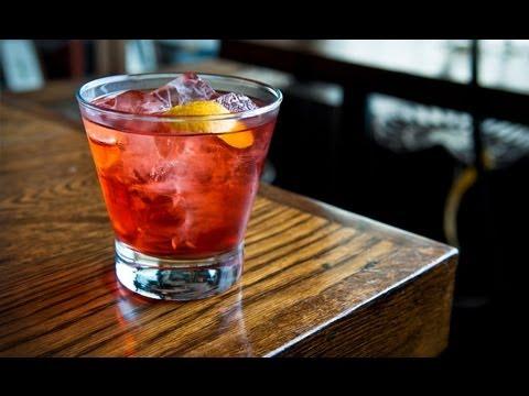How to Make a Boulevardier cocktail - Liquor.com - YouTube