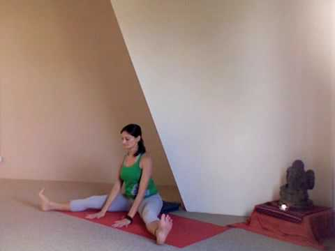 Yoga Stretch - Wide Leg Stretch for Inner Thighs and Hips (Ten Toes Yoga Brisbane) Video