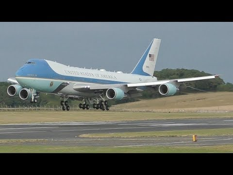 AIR FORCE ONE Landing at Prestwick Airport July 2018   USAF Boeing VC25A   President Trump UK Visit
