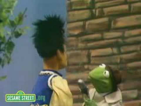 Sesame Street: Kermit Reports News On Rapunzel