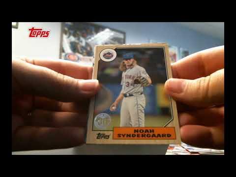 Topps Box Break: 2017 Topps Baseball Update Series