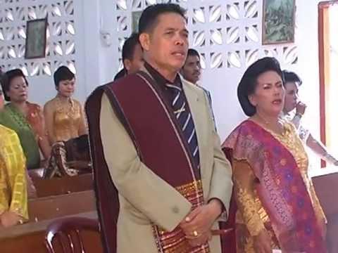 Pernikahan Rinto & Evi, (1) Pengantin Nyanyi nasonang Do Hita Nadua Selasa 16 Juli 2013 video