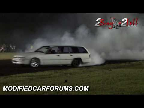 LS1 Powered VS Wagon burnout at Burnout Mayhem #2