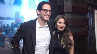 دوت مصر| بوسة نجلاء بدر لخالد أبو النجا في العرض الخاص لقدرات غير عادية
