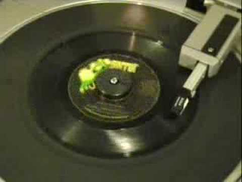 Halloween! - Bobby Pickett - Monster Mash - (hd Stereo) video