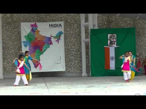 Naples India Fest 2014 - Mele Chaliya Te Leke Aave Chudiya Punjabi...