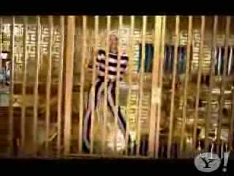 Gwen Stefani Feat Akon - The Sweet Escape (official Video) video