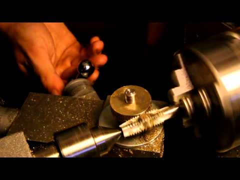 Primitive worm gear hobbing in a lathe
