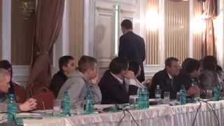 Viceministrul dreptăţii a plecat la mijlocul conferinţei despre #aprilie2009