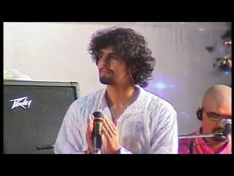 Sonu Nigam (live Performance) - Sai Naath Tere Hazaaron Haath video